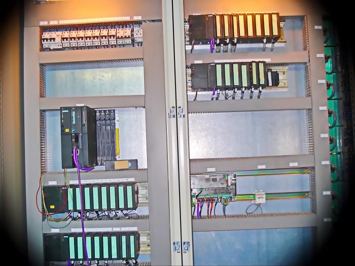 تابلو کنترل PLC